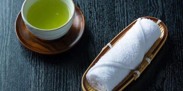 Công dụng đích thực của khăn ướt trong nhà hàng Nhật